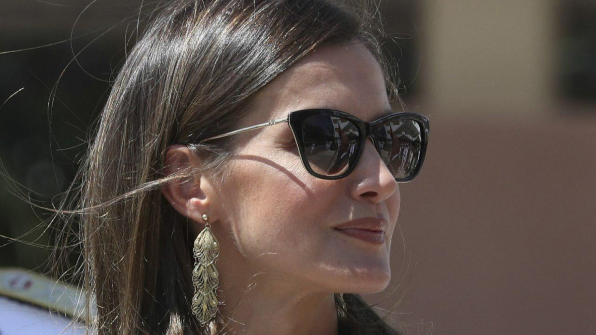 Queen Letizia has surprised with the choice of her accessories