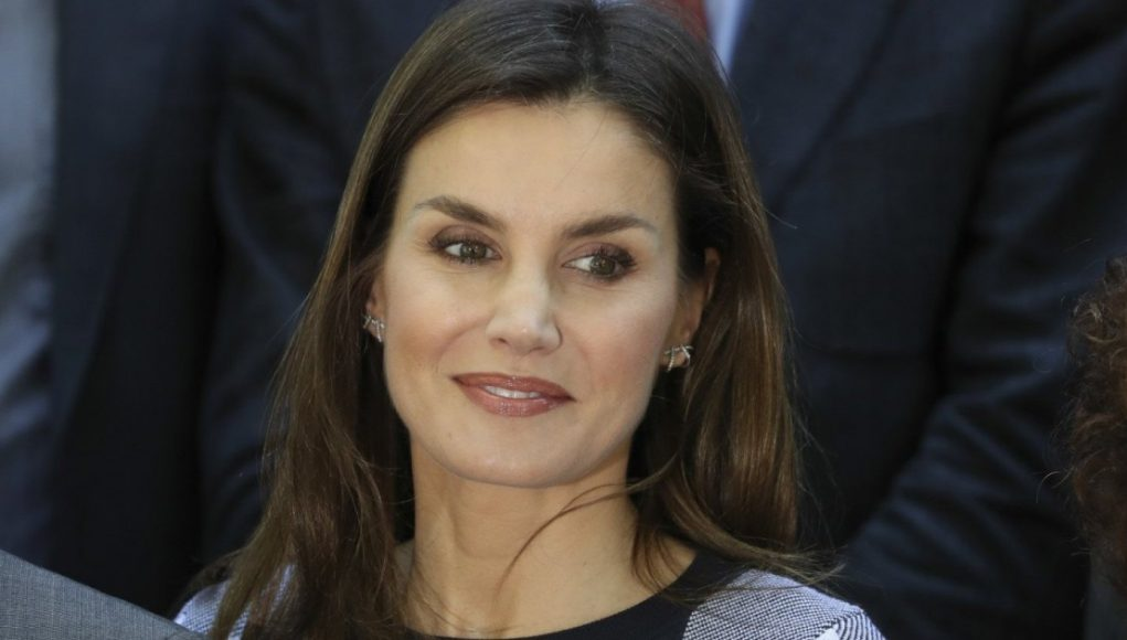 Queen Letizia recovers her trousers from the