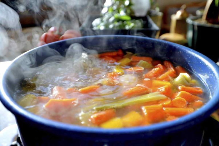 Science confirms it: hot food makes you feel less heat in summer
