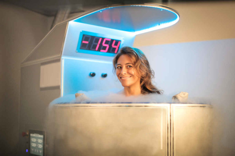 Try a cryosauna after training and discover its advantages