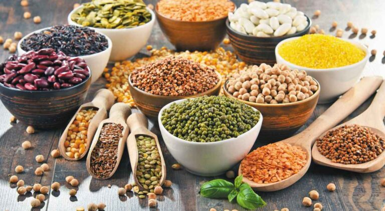 How many calories do legumes provide?