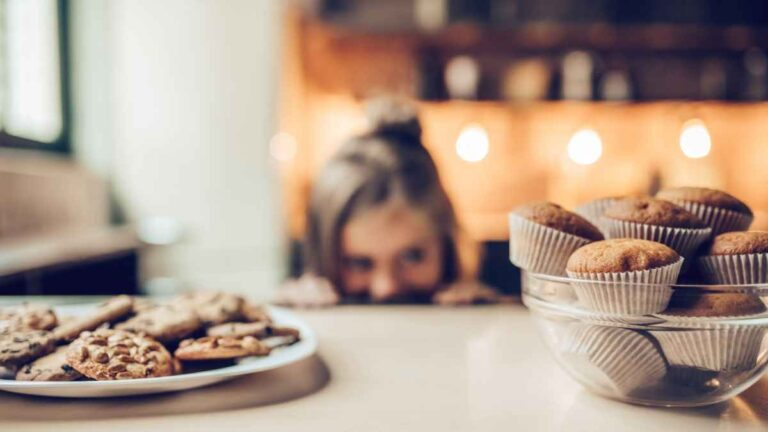 How to lower the sugar in your diet. Tips to replace it