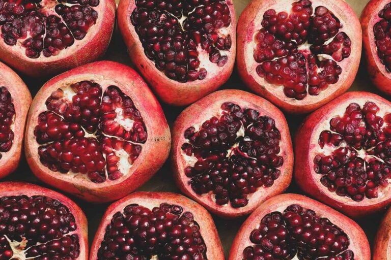 Pomegranate : health benefits and nutritional properties